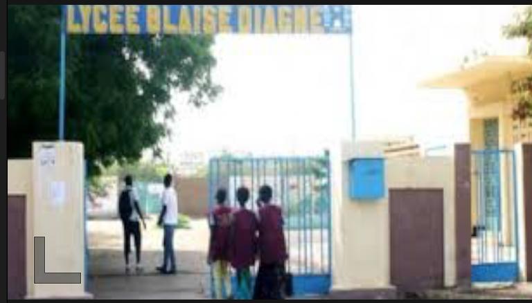 Lycée Blaise Diagne de Dakar: une élève agresse son professeur d'EPS et la défigure… les cours suspendus